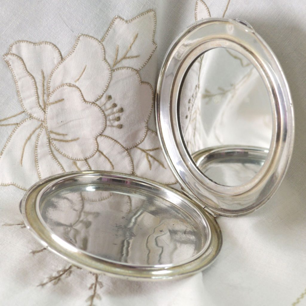 Wickstead's-Jewels-Treasures-&-Beauty-Solid-Silver-Powder-Compact-Handbag-Purse-Mirror-(4)