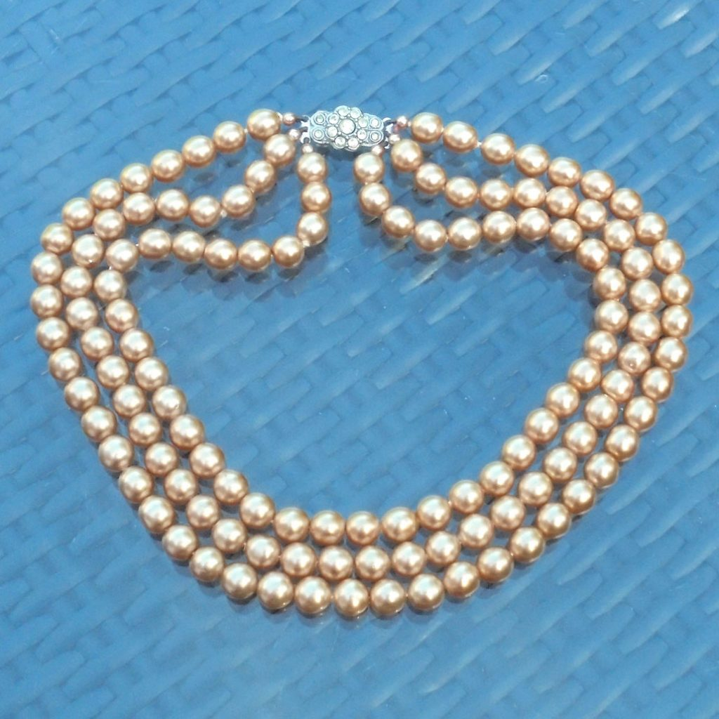 Wickstead's-Jewels-Treasures-Vintage-1930s-1940s-Vintage-Faux-Pearls-Necklace-Golden-Pearly-Beads-Diamante-Rhinestone-(2)