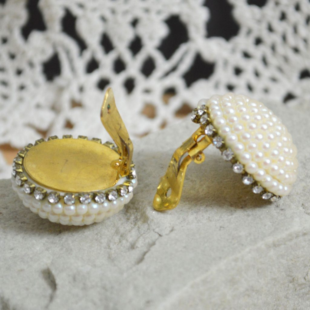 Wickstead's-Jewels-Treasures-Vintage-1980s-Dome-Shape-Pearl-Clusters-with-Clear-Diamante-Clip-Earrings-(1)