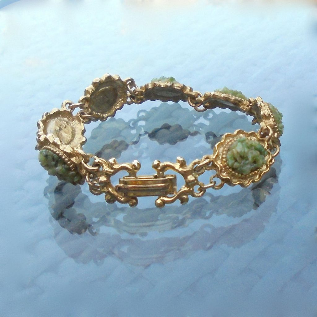 Wickstead's-Jewels-Treasures-Vintage-Costume-Jewellery-Bracelet-Green-Agate-Stone-Chips-Gold-Tone-(2)