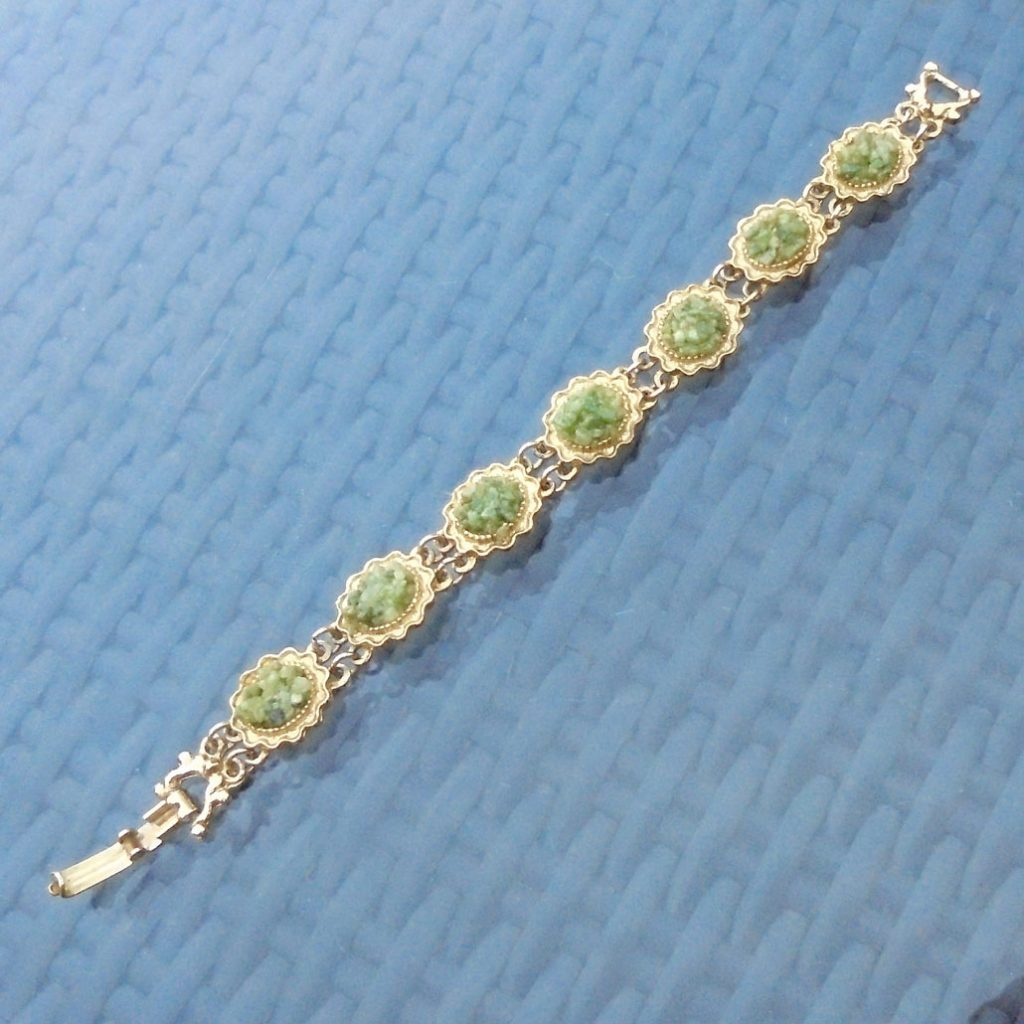 Wickstead's-Jewels-Treasures-Vintage-Costume-Jewellery-Bracelet-Green-Agate-Stone-Chips-Gold-Tone-(5)