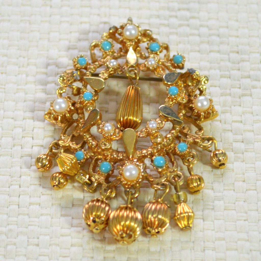Wickstead's-Jewels-Treasures-Vintage-Gold-Brooch-Bead-Droplets-Faux-Pearls-Turquoise-Beads-(4)