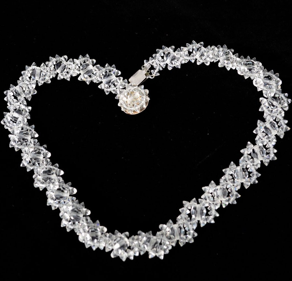 Wickstead's-Jewels-Treasures-Vintage-Woven-Clear-Multi-faceted-Glass-Crystal-Beads-Necklace-(2)