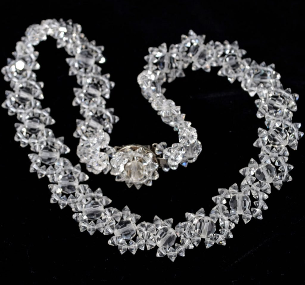 Wickstead's-Jewels-Treasures-Vintage-Woven-Clear-Multi-faceted-Glass-Crystal-Beads-Necklace-(3)