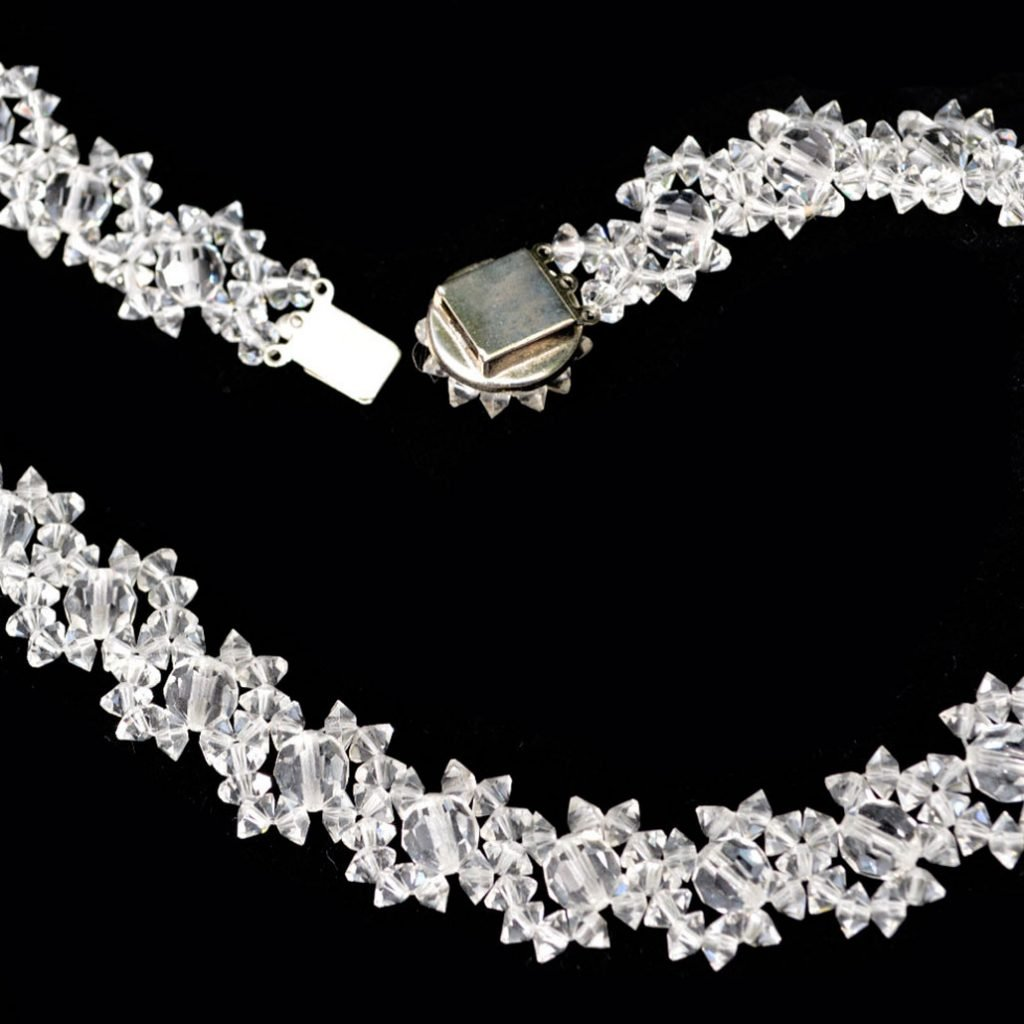 Wickstead's-Jewels-Treasures-Vintage-Woven-Clear-Multi-faceted-Glass-Crystal-Beads-Necklace-(4)