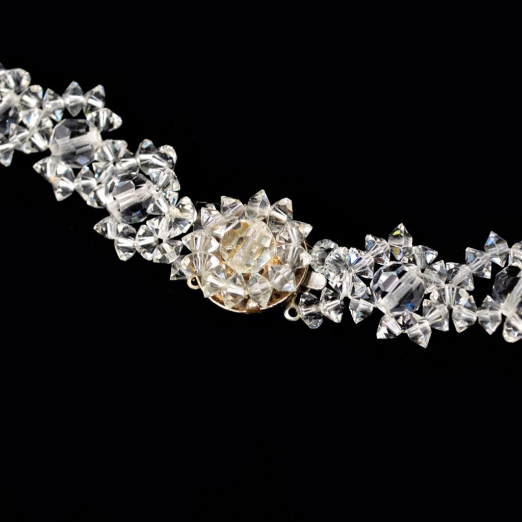 Wickstead's-Jewels-Treasures-Vintage-Woven-Clear-Multi-faceted-Glass-Crystal-Beads-Necklace-(5)