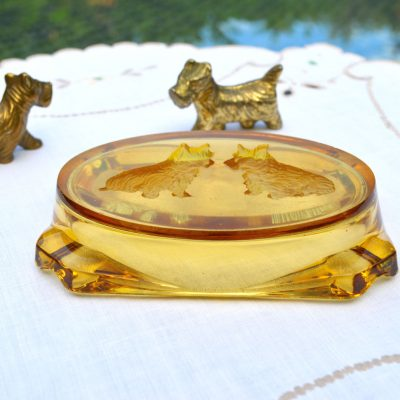 Wickstead's-Mr-Wickstead-Homewares-1930s-Scottie-Dogs-Amber-Glass-Dish-&-Solid-Brass-Figures-(3)