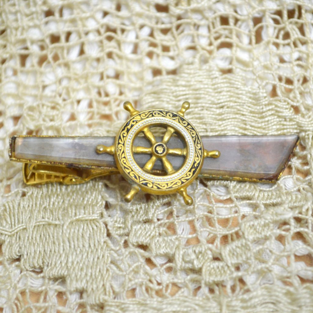 Wicksteads-Mr-Wickstead-Jewellery-Vintage-Tie-Bar-Clip-Spanish-Damascene-Toledo-Ware-Nautical-Ships-Wheel—Gold-Plated-(1)