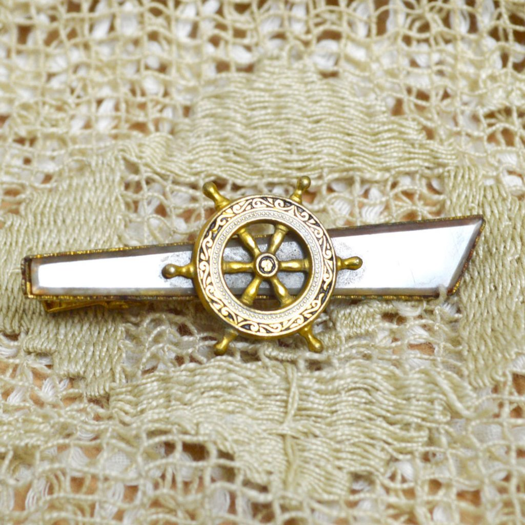Wicksteads-Mr-Wickstead-Jewellery-Vintage-Tie-Bar-Clip-Spanish-Damascene-Toledo-Ware-Nautical-Ships-Wheel—Gold-Plated-(2)