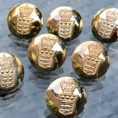 Wickstead's-Mr-Wickstead-Vintage-Military-Uniform-Buttons-Royal-Army-Ordnance-Corps-with-the-Queens-Crown-1953-(4)