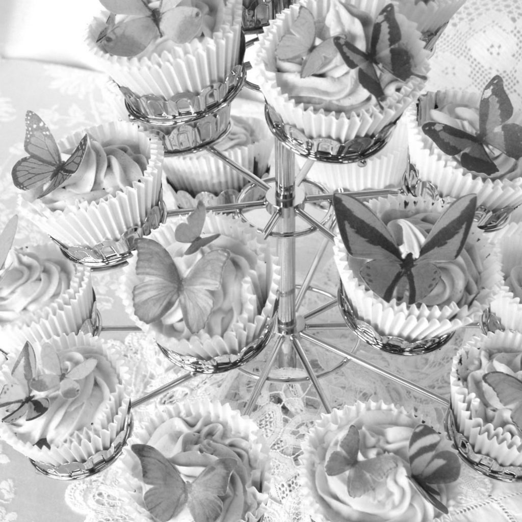 Wickstead's-Eat-Me-Edible-Sugar-Free-Vanilla-Wafer-Rice-Paper-3D-Butterflies-Greyscale-(2)