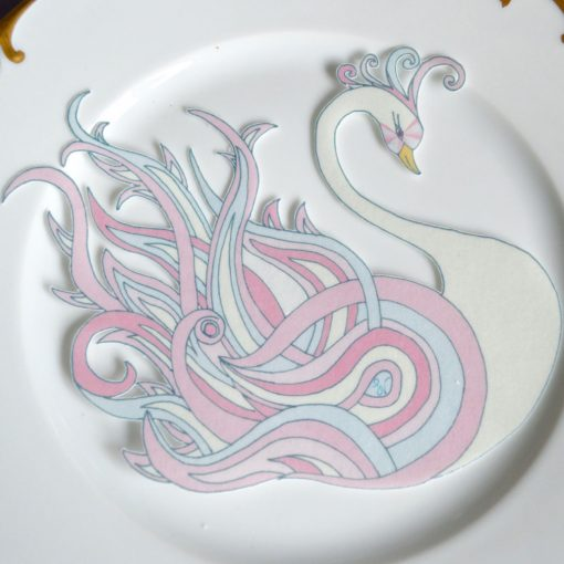 Wickstead's-Eat-Me-Edible-Sugar-Free-Vanilla-Wafer-Rice-Paper-Swan-Pink-Crystal-Swans-(2)