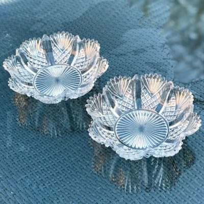 Wickstead's-Home-&-Living-Antique-Pressed-Snowflake-Flower-Glass-Dishes-Bowls-(1)