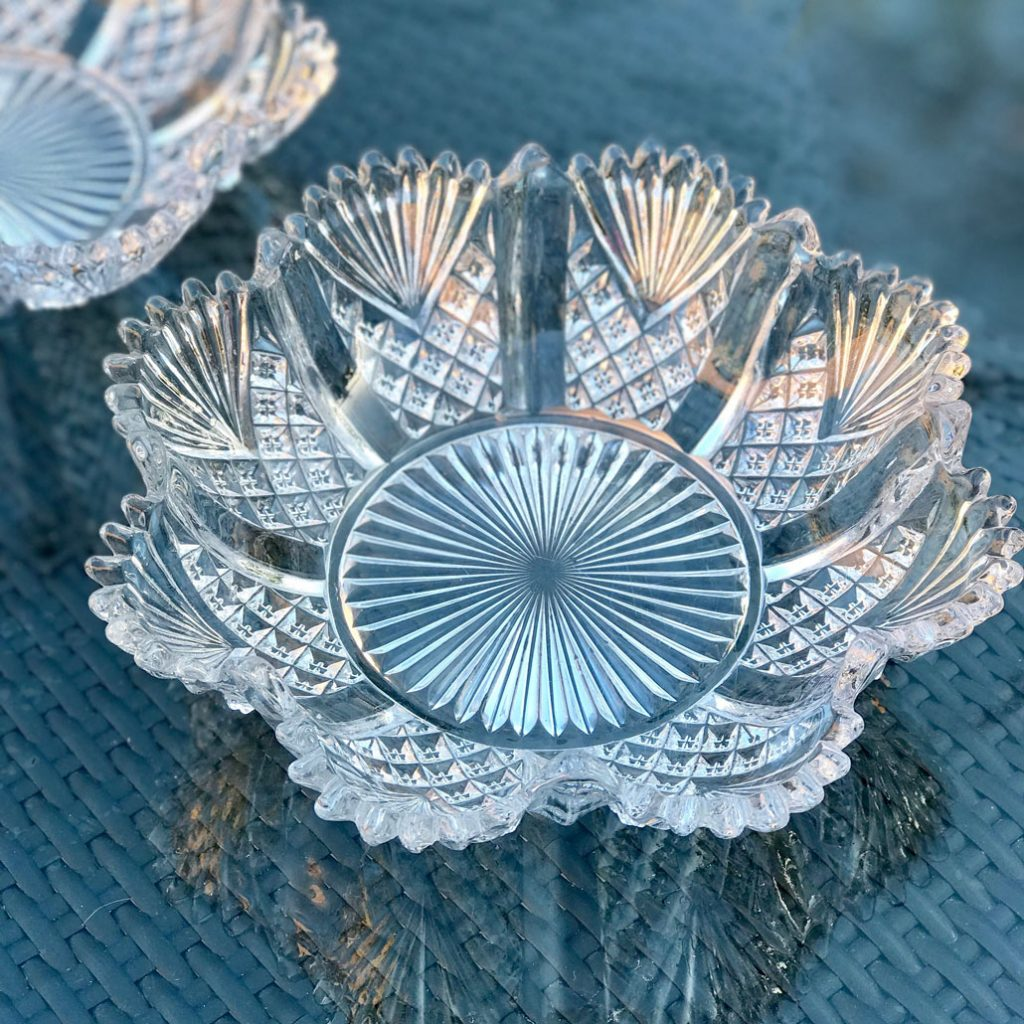 Wickstead's-Home-&-Living-Antique-Pressed-Snowflake-Flower-Glass-Dishes-Bowls-(10)