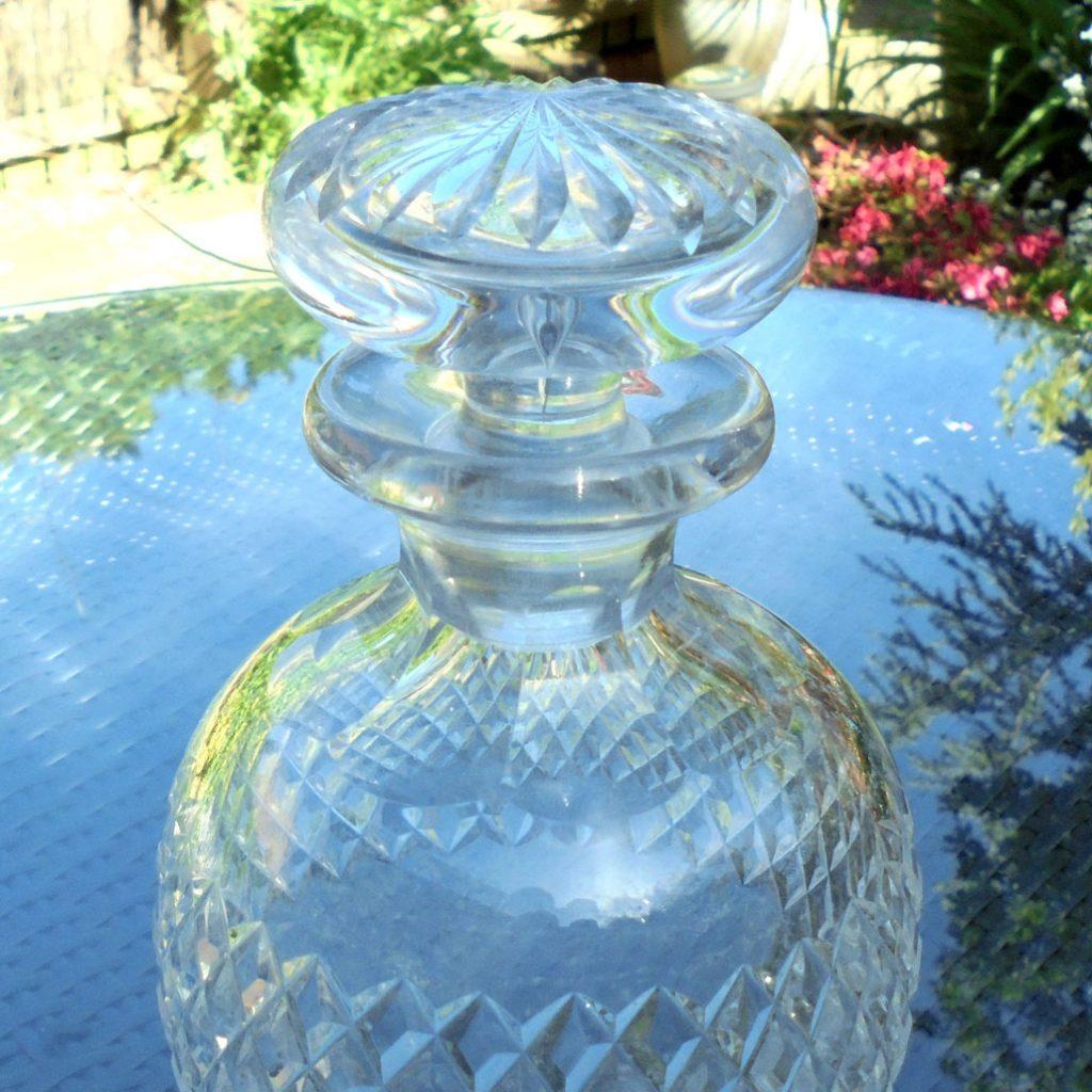 Wickstead's-Home-&-Living-Cut-Glass-Mushroom-Stopper-Decanter-(3)