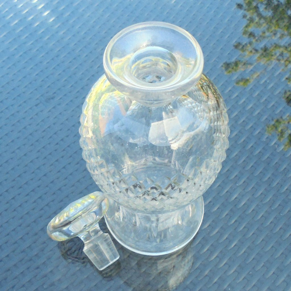 Wickstead's-Home-&-Living-Cut-Glass-Mushroom-Stopper-Decanter-(4)