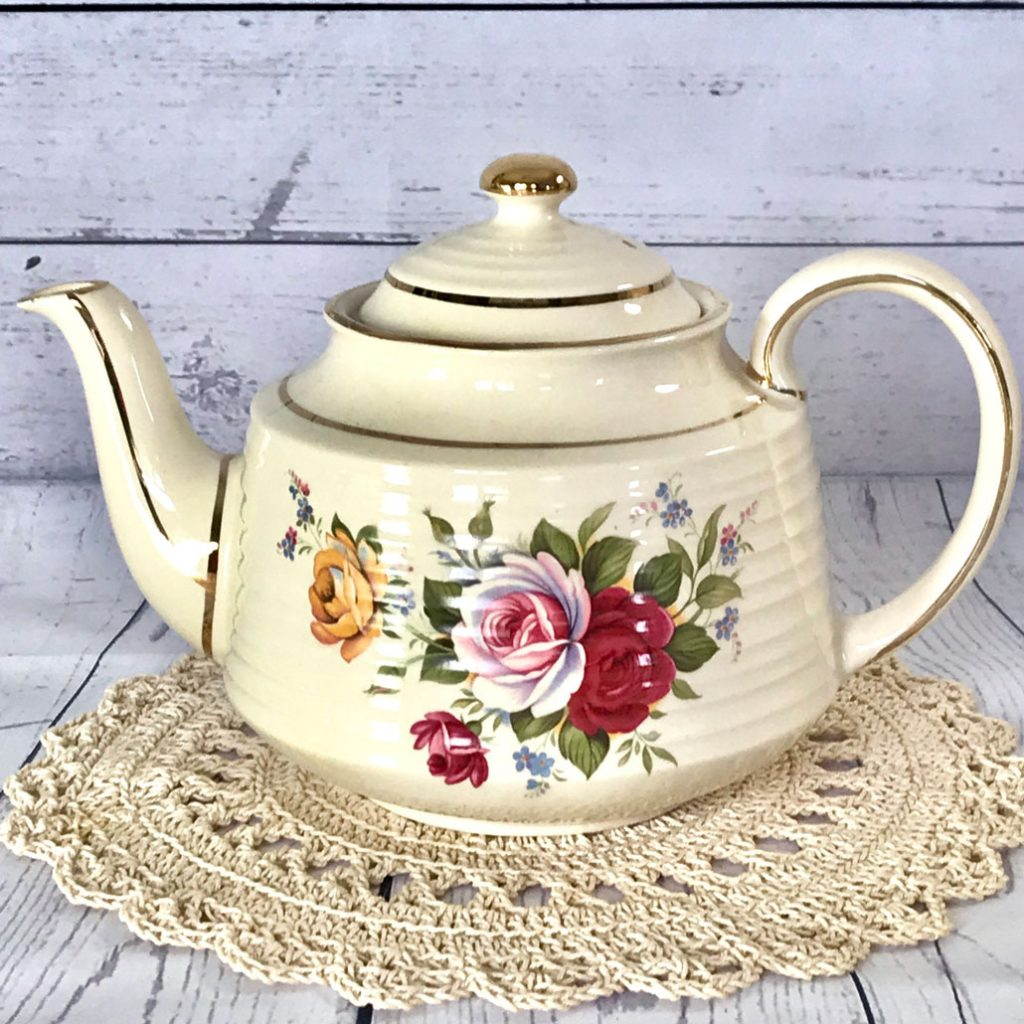 Wickstead's–Home-&-Living–English-Sadler-Rose-&-Forget-me-not-Teapot-(1)