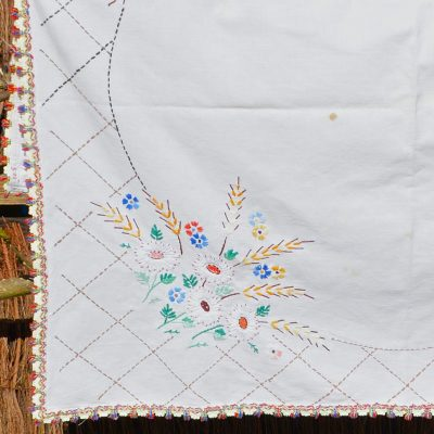 Wickstead's-Home-&-Living-Flower-Embroidery-Square-Tablecloth-(1)