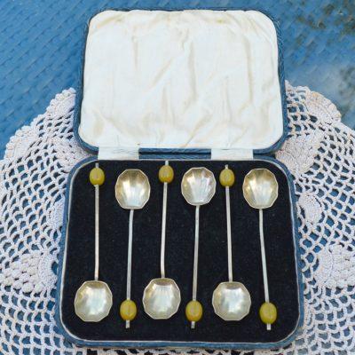 Wickstead's–Home-&-Living–Silver-Coffee-Bean-Demitasse-EPNS-Shell-Tea-Spoons-(2)