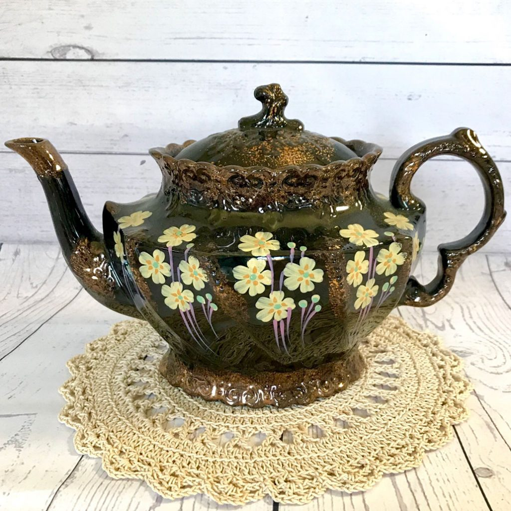Wickstead's–Home-&-Living–Victorian-Jackfield-Hand-Painted-Primrose-Teapot-(1)