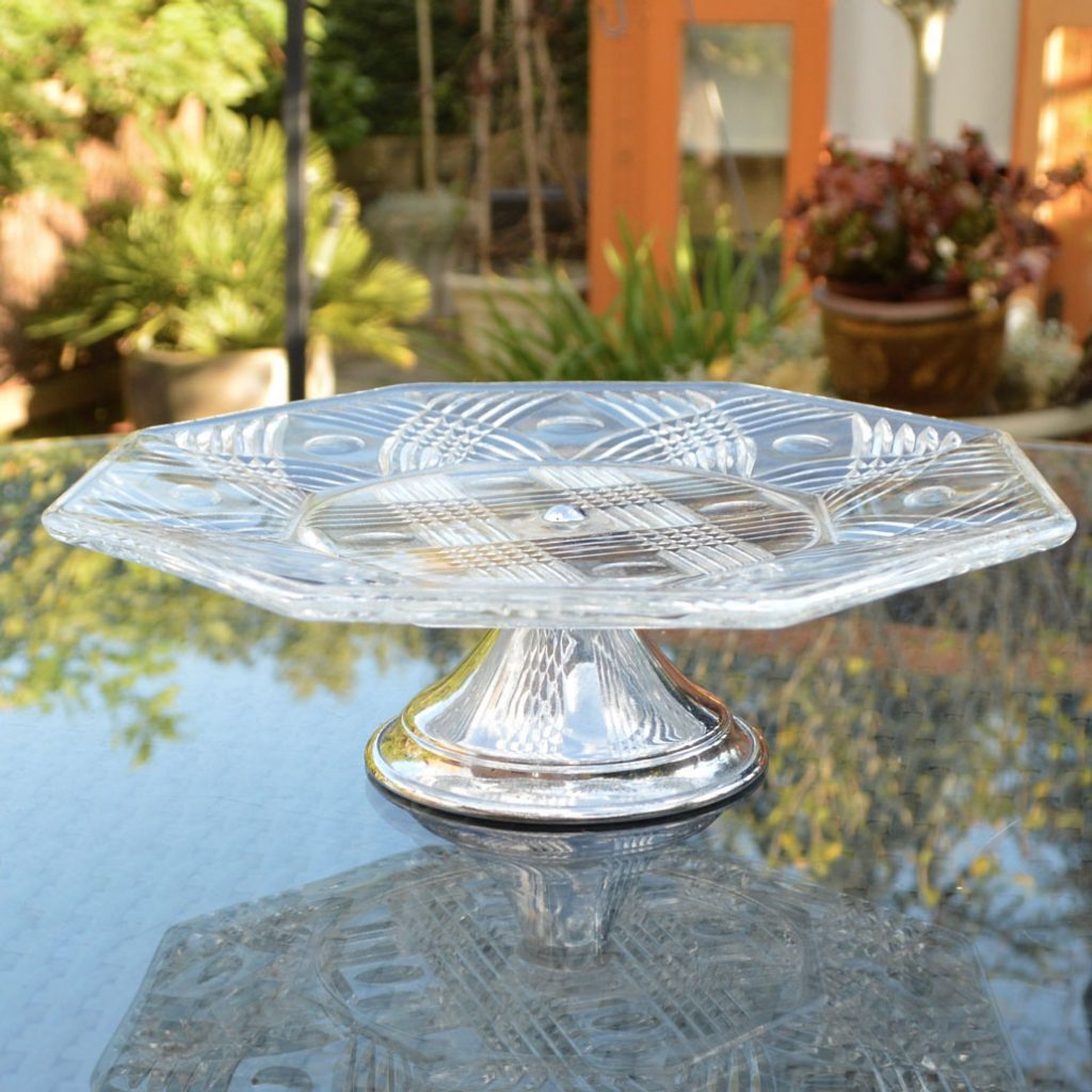 Wickstead's-Home-&-Living-Vintage-Clear-Pressed-Hexagonal-Glass-Pedestal-Cake-Stand-(1)