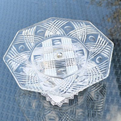 Wickstead's-Home-&-Living-Vintage-Clear-Pressed-Hexagonal-Glass-Pedestal-Cake-Stand-(3)