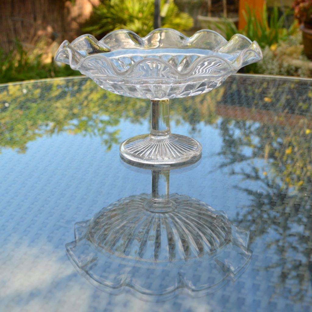 Wickstead's-Home-&-Living-Vintage-Clear-Pressed-Tazza-Glass-Pedestal-Cake-Stand-(2)