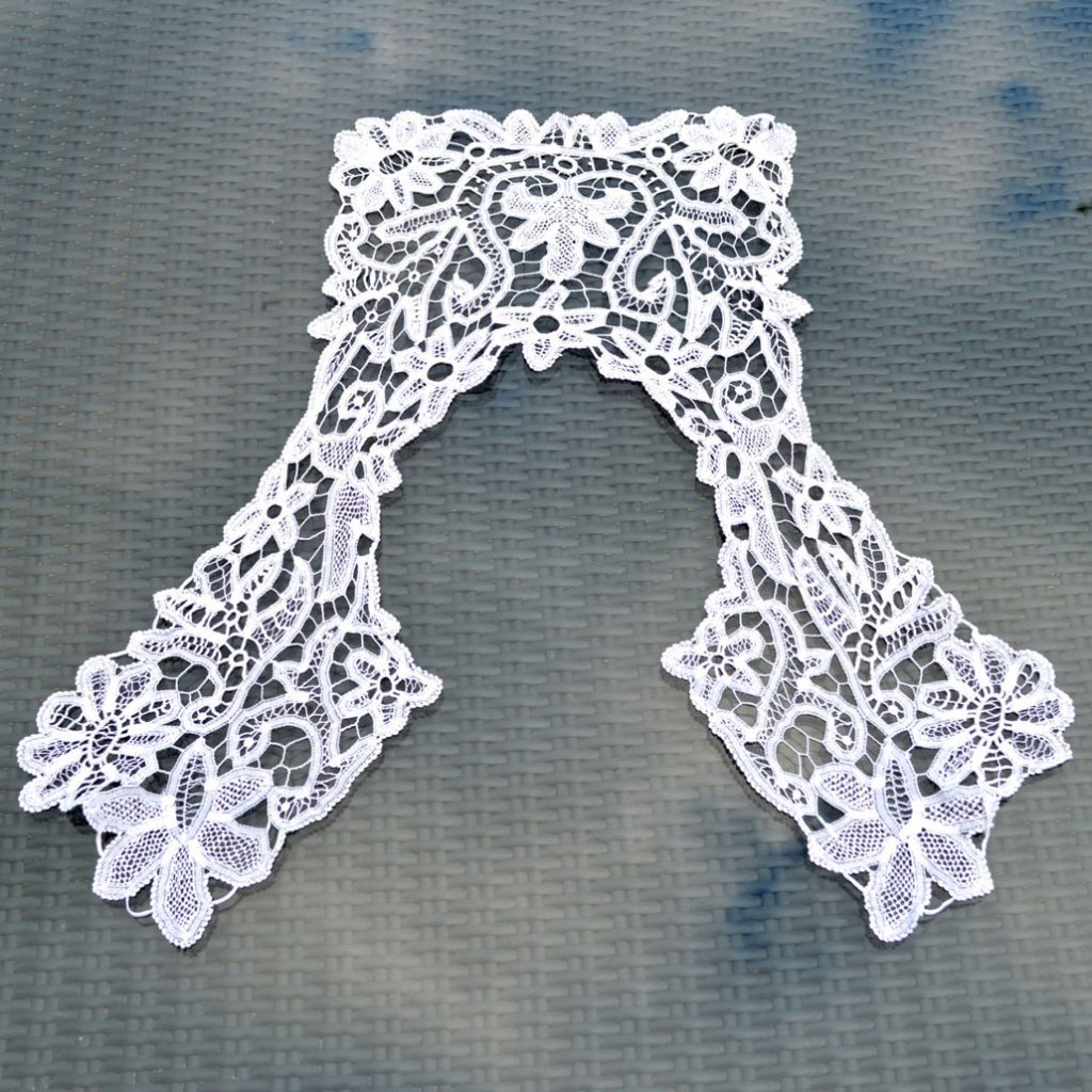 Wickstead's-Home-&-Living-Vintage-Square-Lace-Collar-(1)