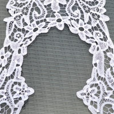 Wickstead's-Home-&-Living-Vintage-Square-Lace-Collar-(2)