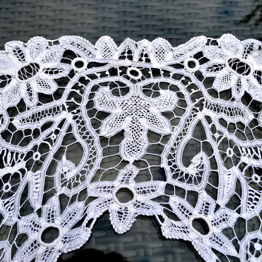 Wickstead's-Home-&-Living-Vintage-Square-Lace-Collar-(4)