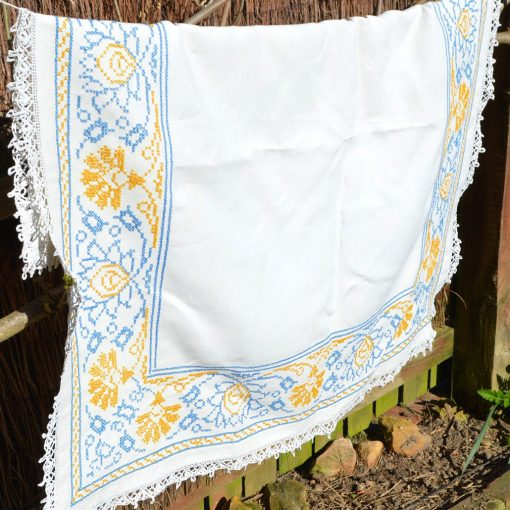 Wickstead's-Home-&-Living-Yellow-Blue-Cross-Stitch-Square-Tablecloth-(3)