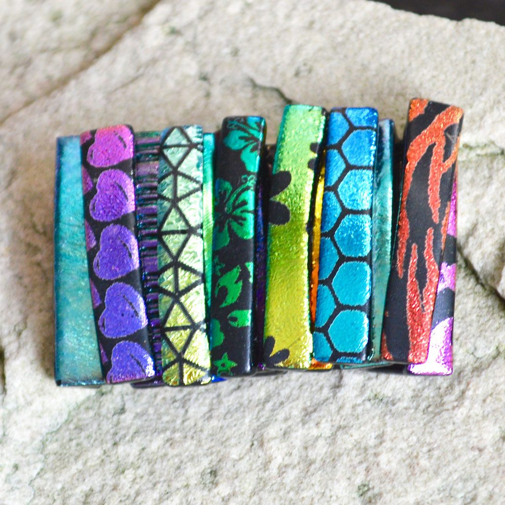 AWD-Large-Dichroic-Brooch-patterned-stripes-textured-(2)