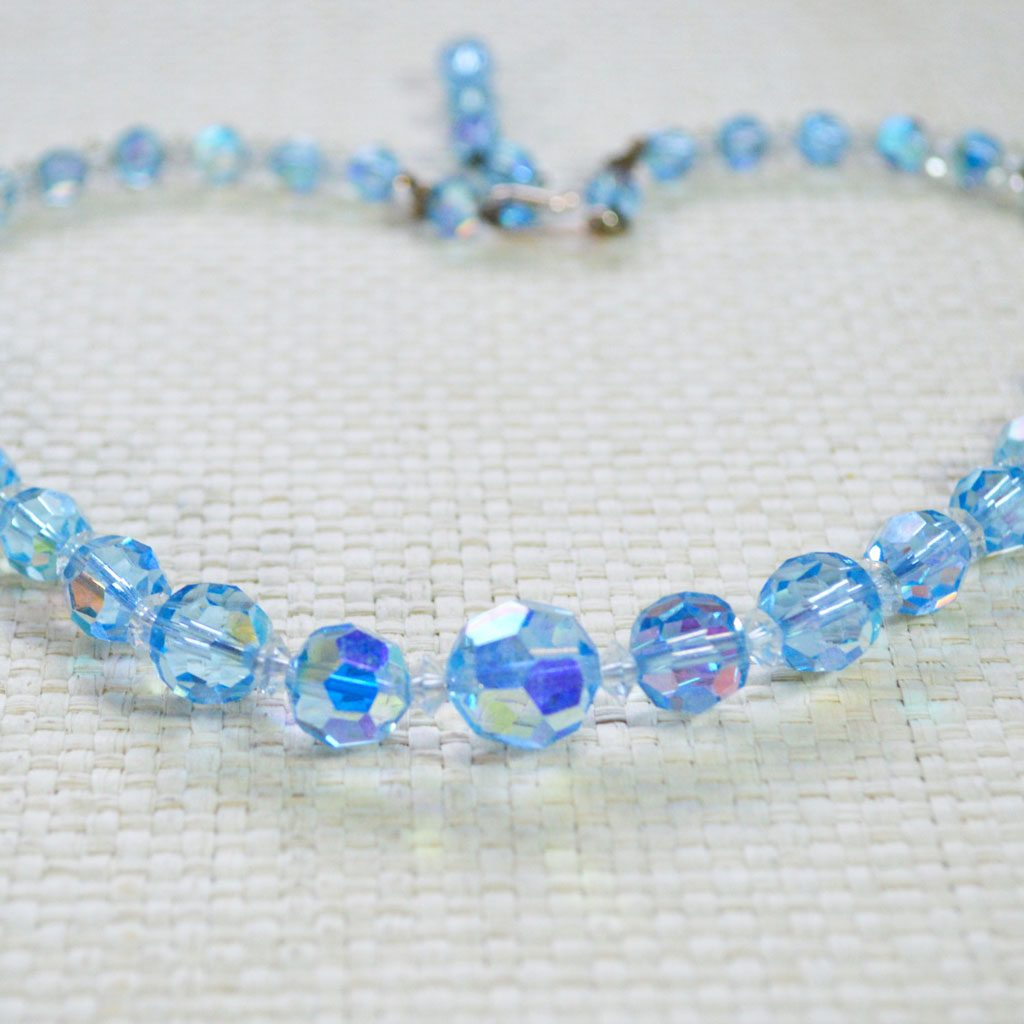 Blue-Crystals-Necklace-(2)