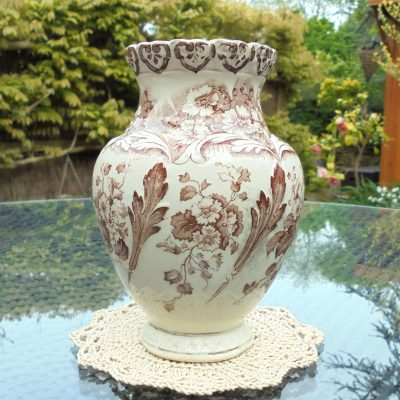 Brown-Aesthetic-Print-Clifton-Vase-(3)-