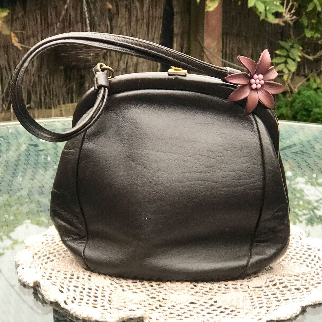 Brown-Leather-Freedex-Handbag-(1)