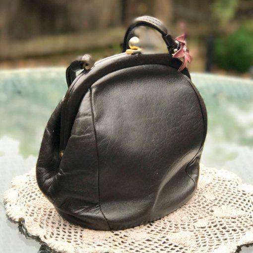 Brown-Leather-Freedex-Handbag-(3)