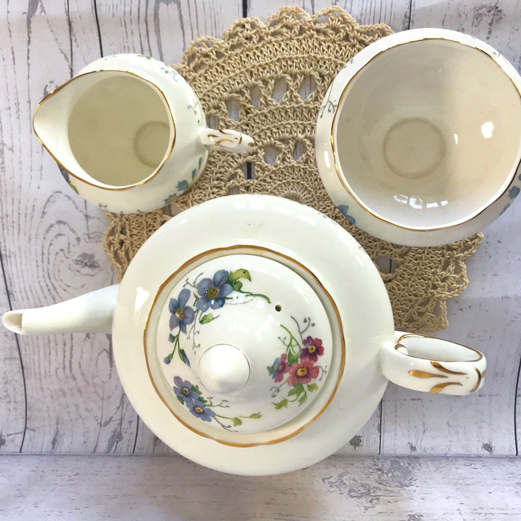 Crwon-Staffordhsire-England's-Glory-Teapot-Trio-(5)