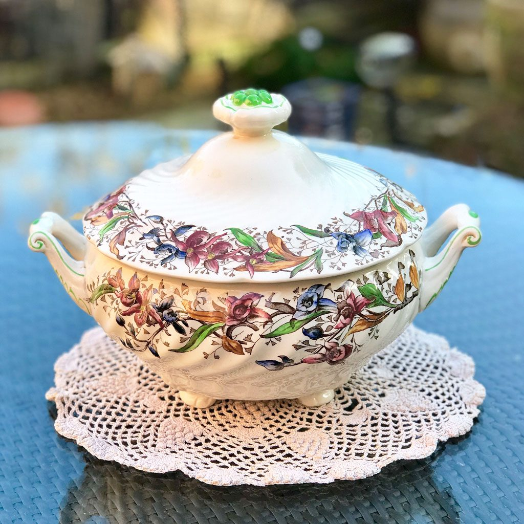 Home-&-Living-Bowls-&-Tureens-RD-Tintern-Tureen-(1)-