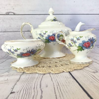 Royal-Staffordshire-England's-Glory-Teapot-Trio-(3)