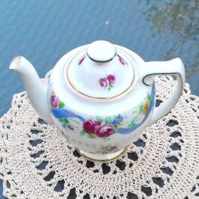 Wicksteads-Home-&-Living-Royal-1930s-Doulton-RoseTime-Small-One-Person-Teapot-(2)-