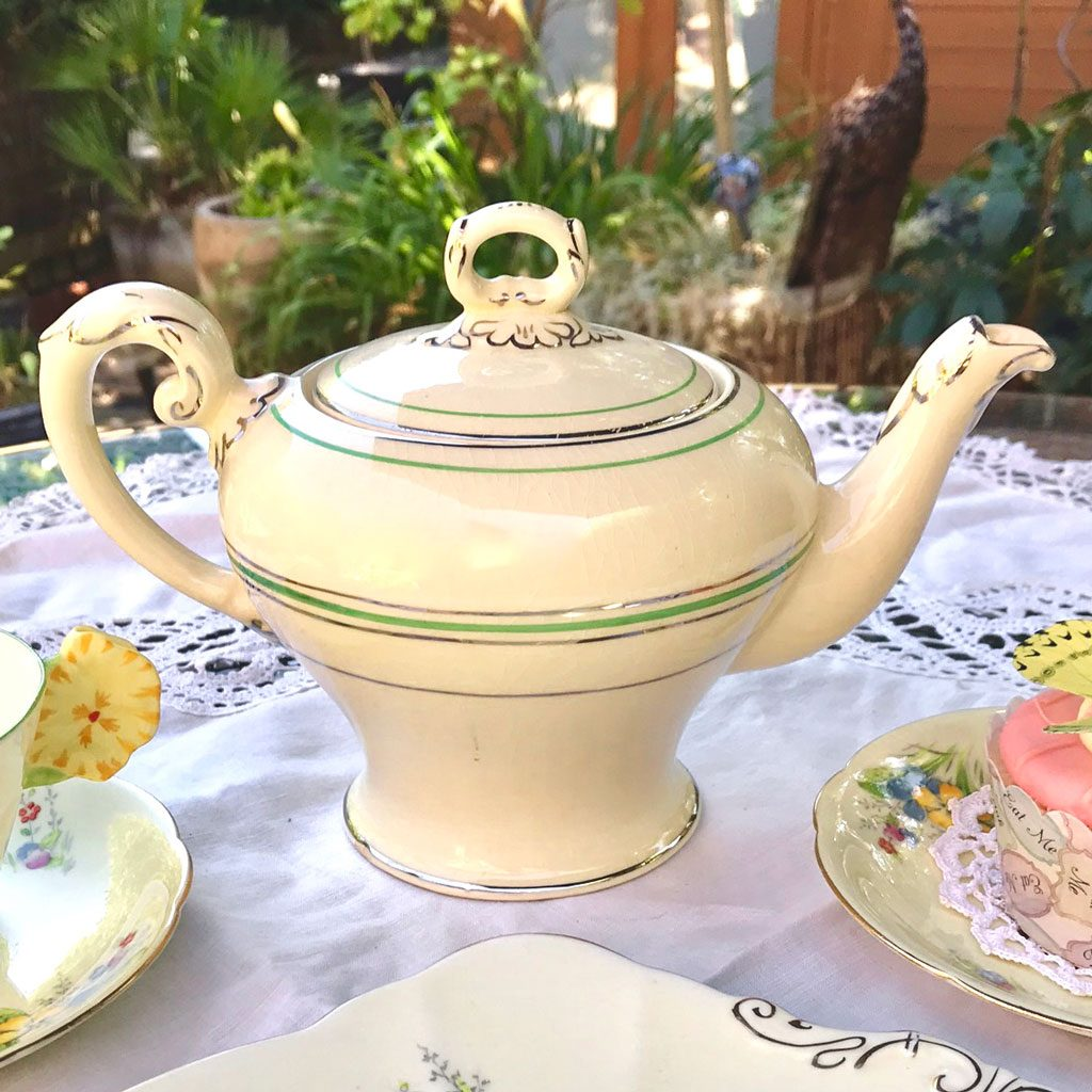 Wicksteads-Home-&-Living-Teapot-1930s-CreamWare-(2)