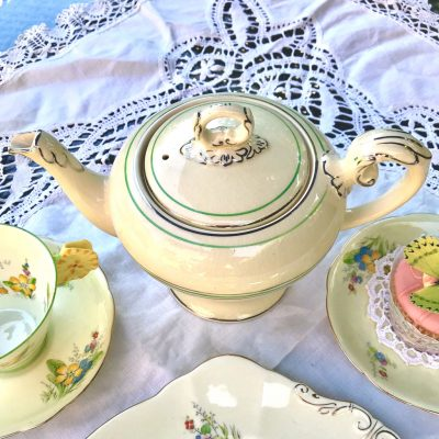 Wicksteads-Home-&-Living-Teapot-1930s-CreamWare-(3)