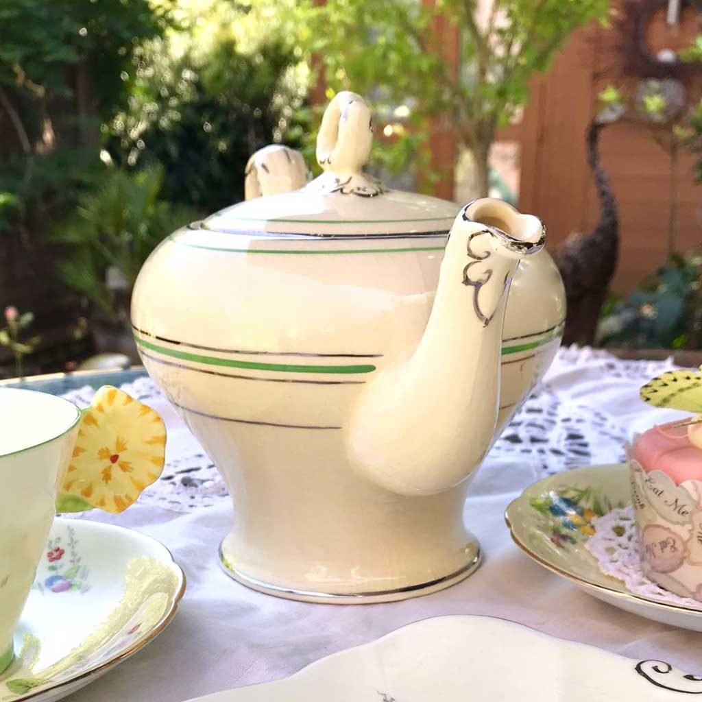 Wicksteads-Home-&-Living-Teapot-1930s-CreamWare-(6)