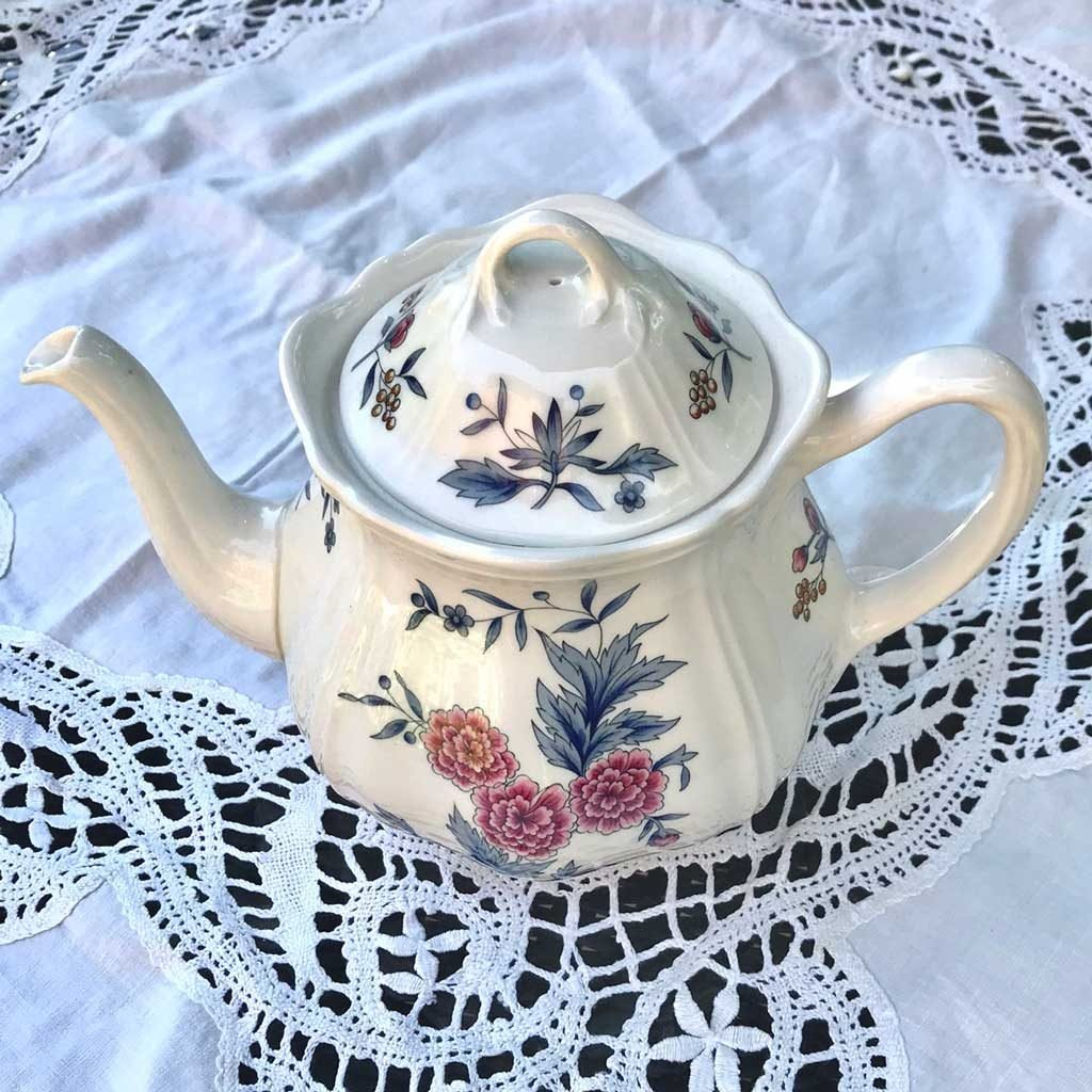 Wicksteads-Home-&-Living-Teapot-Wedgwood-Pot-Pourri-(2)