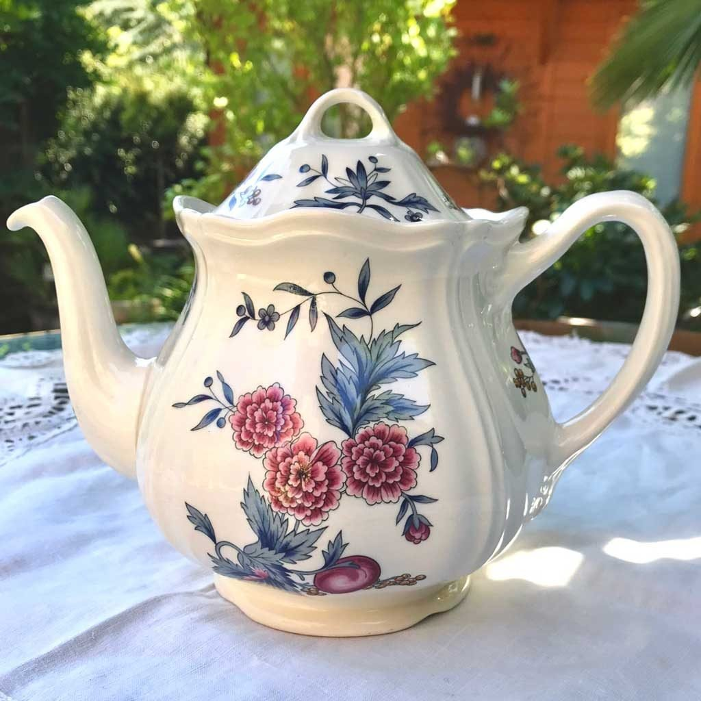 Wicksteads-Home-&-Living-Teapot-Wedgwood-Pot-Pourri-(6)