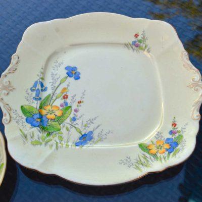Wicksteads-Home-&-Living-Vintage–Cake-Plate-Paragon-Yellow-Primrose-(1)