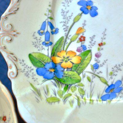 Wicksteads-Home-&-Living-Vintage–Cake-Plate-Paragon-Yellow-Primrose-(2)
