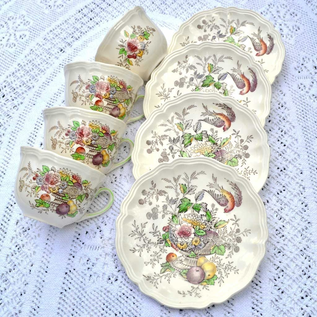 Wicksteads-Home-&-Living-Vintage-Teacups-Royal-Doulton-Hampshire-(1)