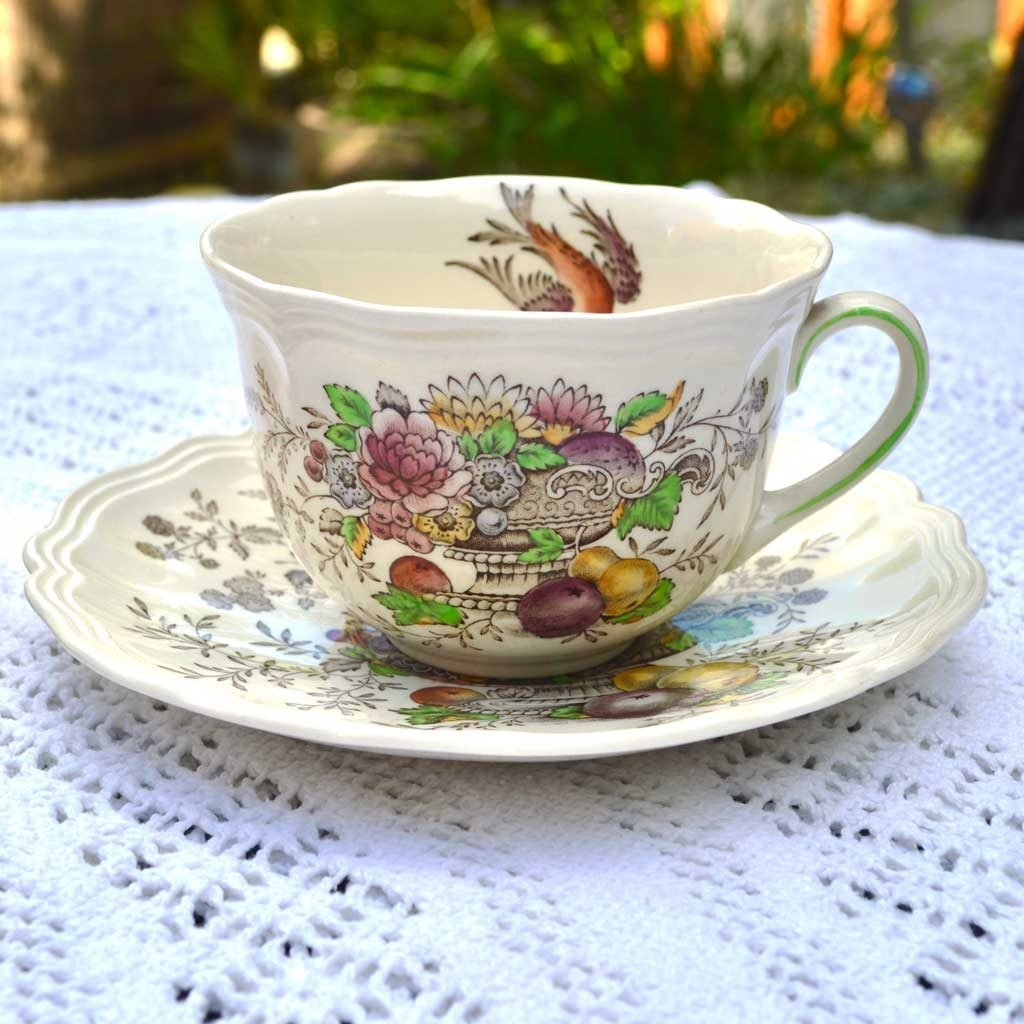 Wicksteads-Home-&-Living-Vintage-Teacups-Royal-Doulton-Hampshire-(2)