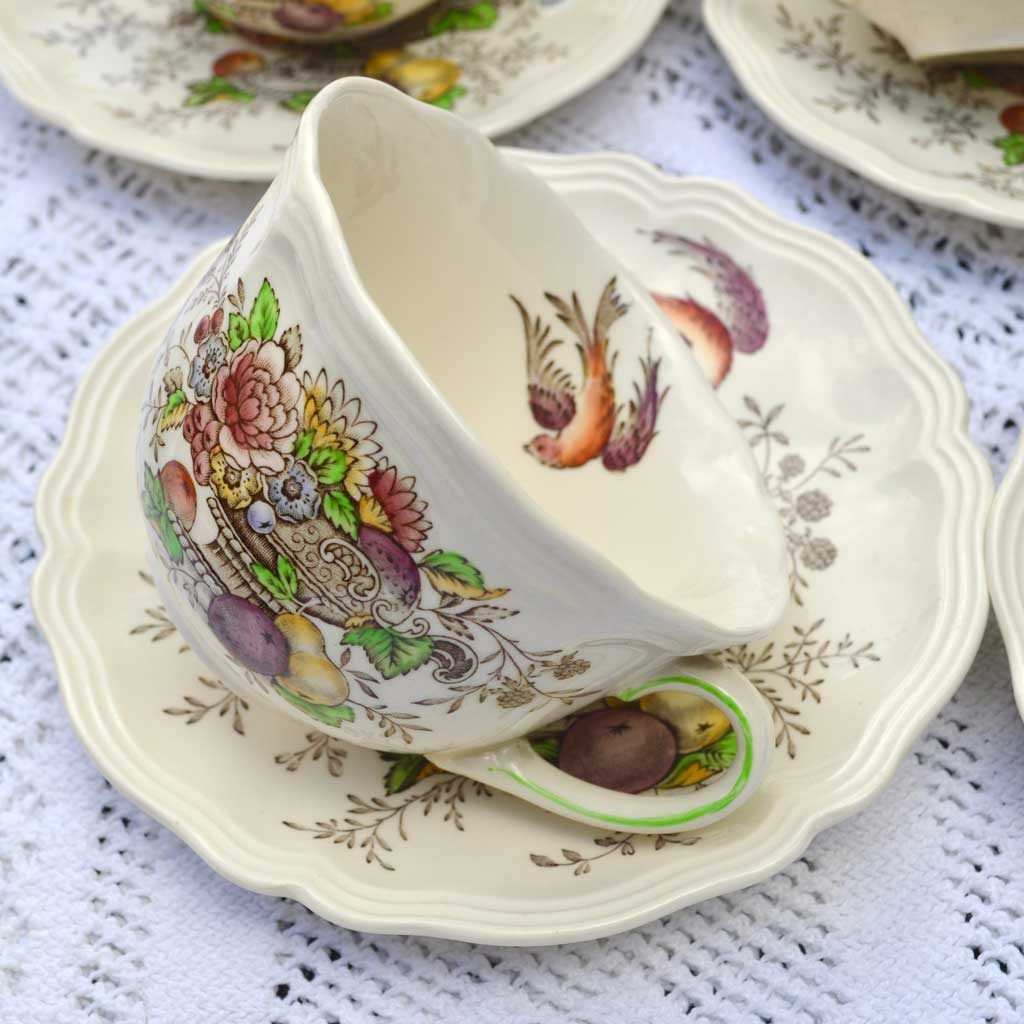 Wicksteads-Home-&-Living-Vintage-Teacups-Royal-Doulton-Hampshire-(4)